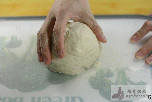 手工面包第一步---揉面发酵步骤图(超详细)