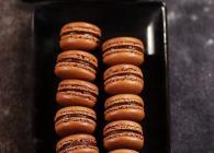巧克力马卡龙的做法(制作过程极简单!)---零技巧傻瓜版马卡龙