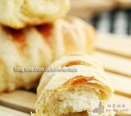 橄榄形酥香面包的做法