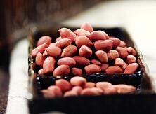 盐烤花生米的做法,烤箱的超简单家常用法