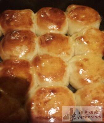 蜂蜜脆底小面包的做法