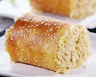 卷完蛋糕卷面包---肉松面包卷的做法(附打蛋器揉面步骤图)