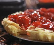 <b>又一种无敌详细的酥皮做法--酥脆樱桃派的做法</b>