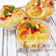 草莓乳酪面包的做法
