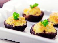 浓香鲜美,一口一个---肉末乳酪焗香菇