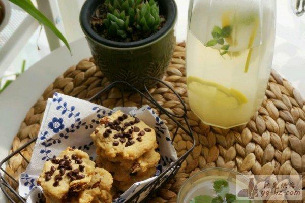 葡萄干巧克力椰香软曲奇的做法