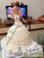 芭比娃娃生日蛋糕的做法