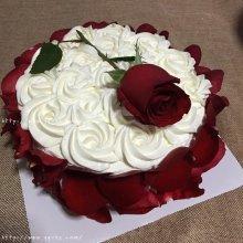 浪漫玫瑰花瓣蛋糕