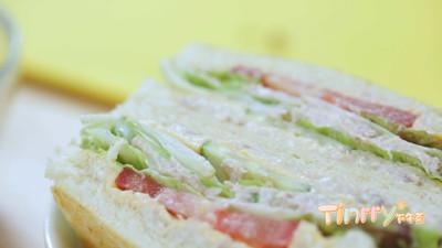 《Tinrry下午茶》教你做吞拿鱼三明治的做法 步骤12
