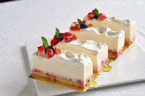 【Freesiaa Made】草莓冻芝士蛋糕【视频+图文】
