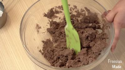白巧克力树莓塔(视频菜谱)的做法 步骤4