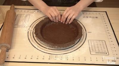 白巧克力树莓塔(视频菜谱)的做法 步骤8