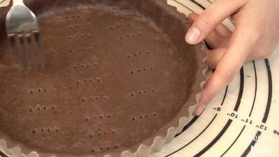 白巧克力树莓塔(视频菜谱)的做法 步骤10