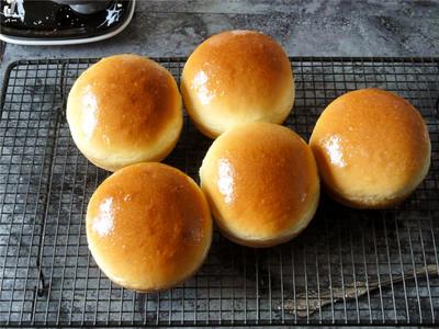 巨蛋牛奶面包---蛋糕一样口感和香甜的面包的做法 步骤9