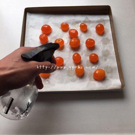 蛋黄酥:抹茶酥:(奶黄味)的做法 步骤8