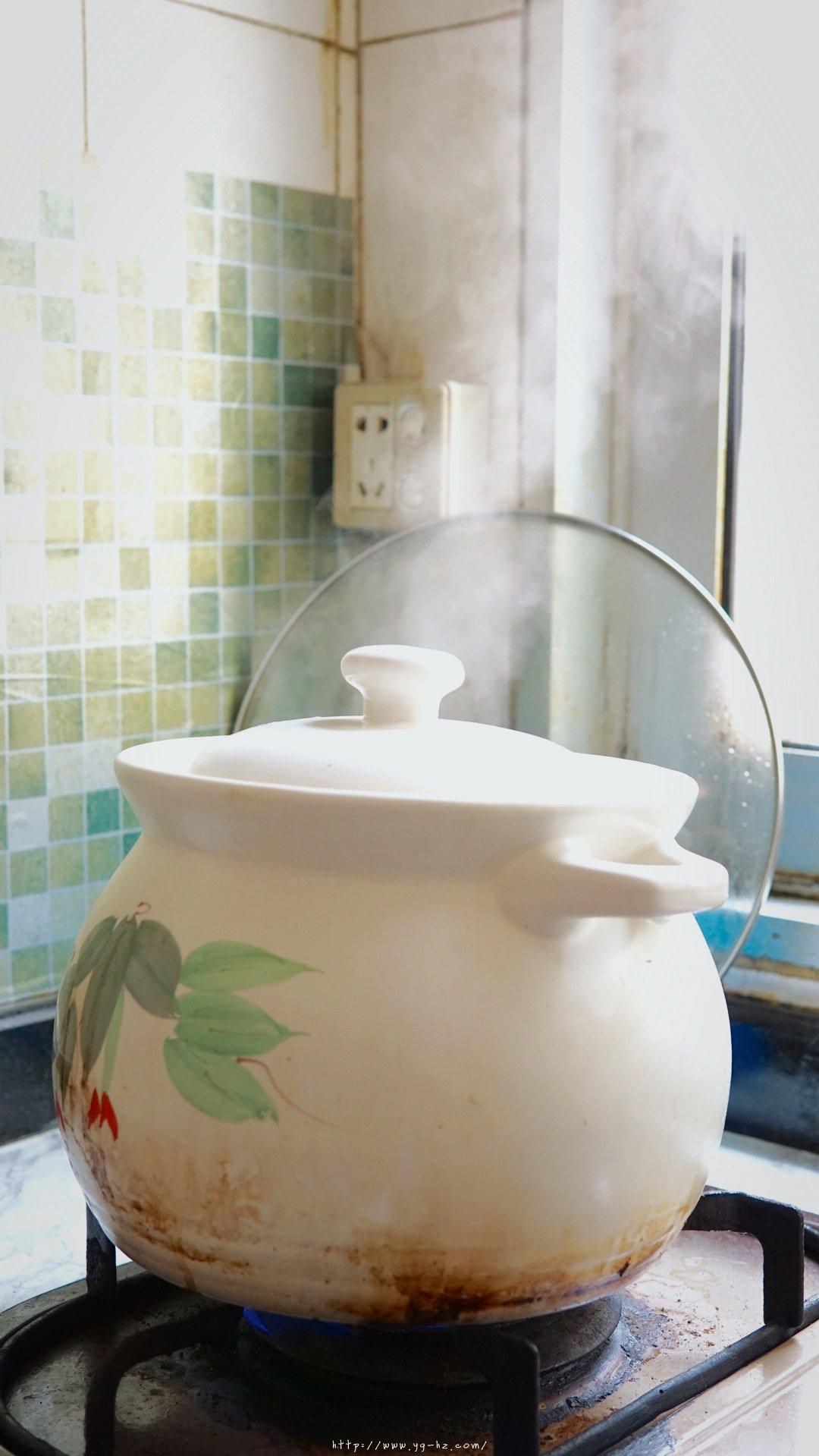 超详细简单的排骨莲藕汤的做法 步骤6