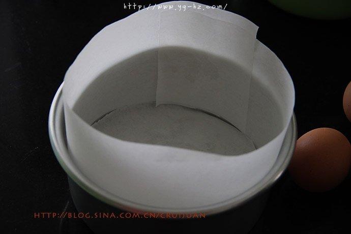 不易消泡的日式方法,可可海绵蛋糕百战宝典的做法 步骤1