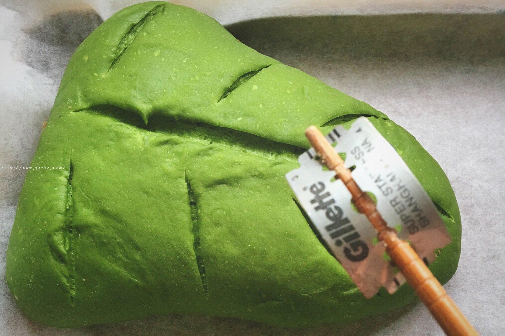 抹茶(可可)椰子油麻薯夹心面包的做法 步骤5