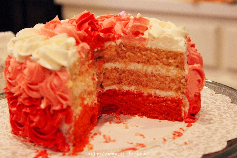 yellow cake蛋糕胚和渐变玫瑰花裱花方法的做法 步骤7