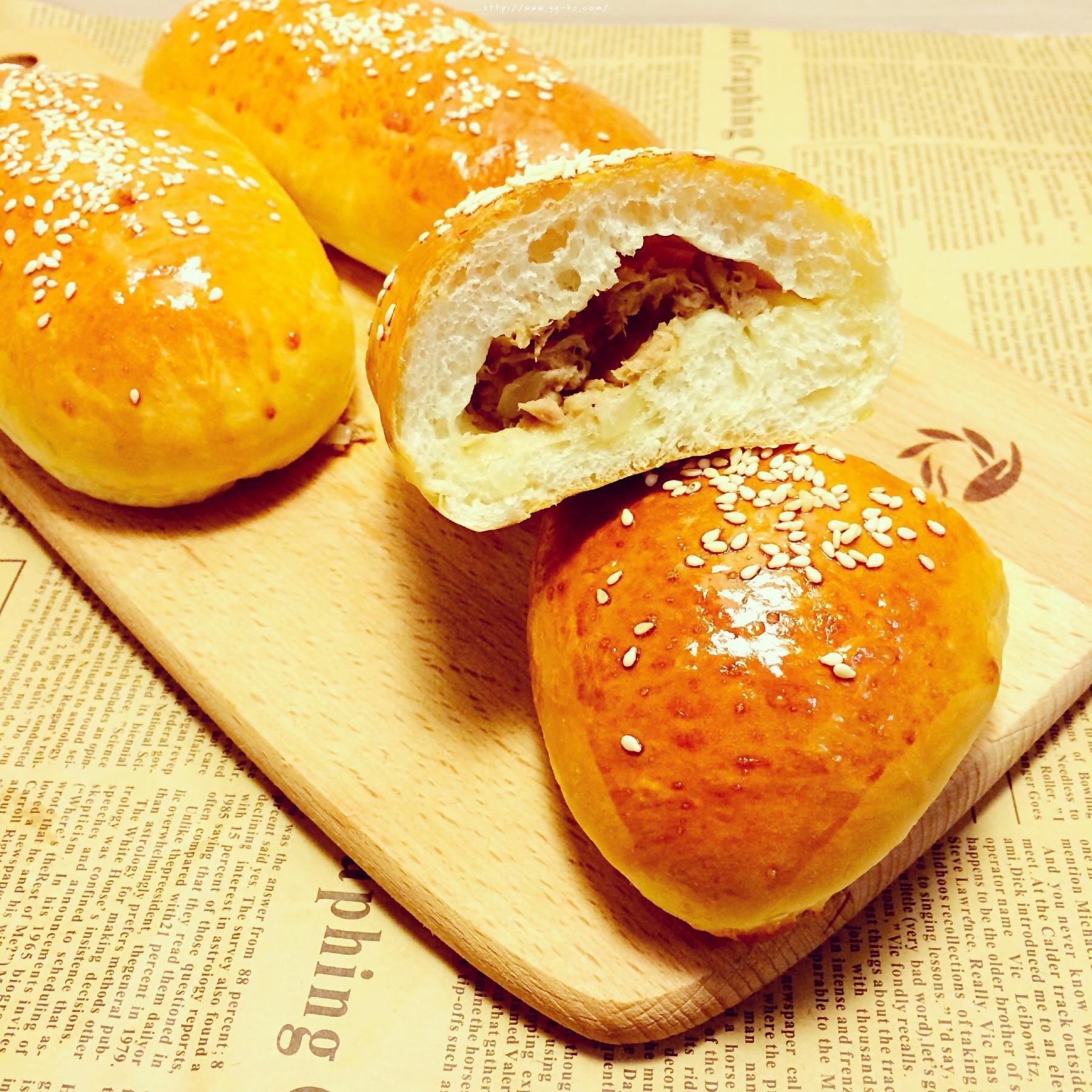 洋葱金枪鱼面包的做法