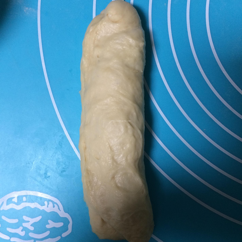洋葱金枪鱼面包的做法 步骤10