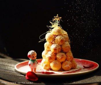 圣诞雪景焦糖泡芙塔的做法