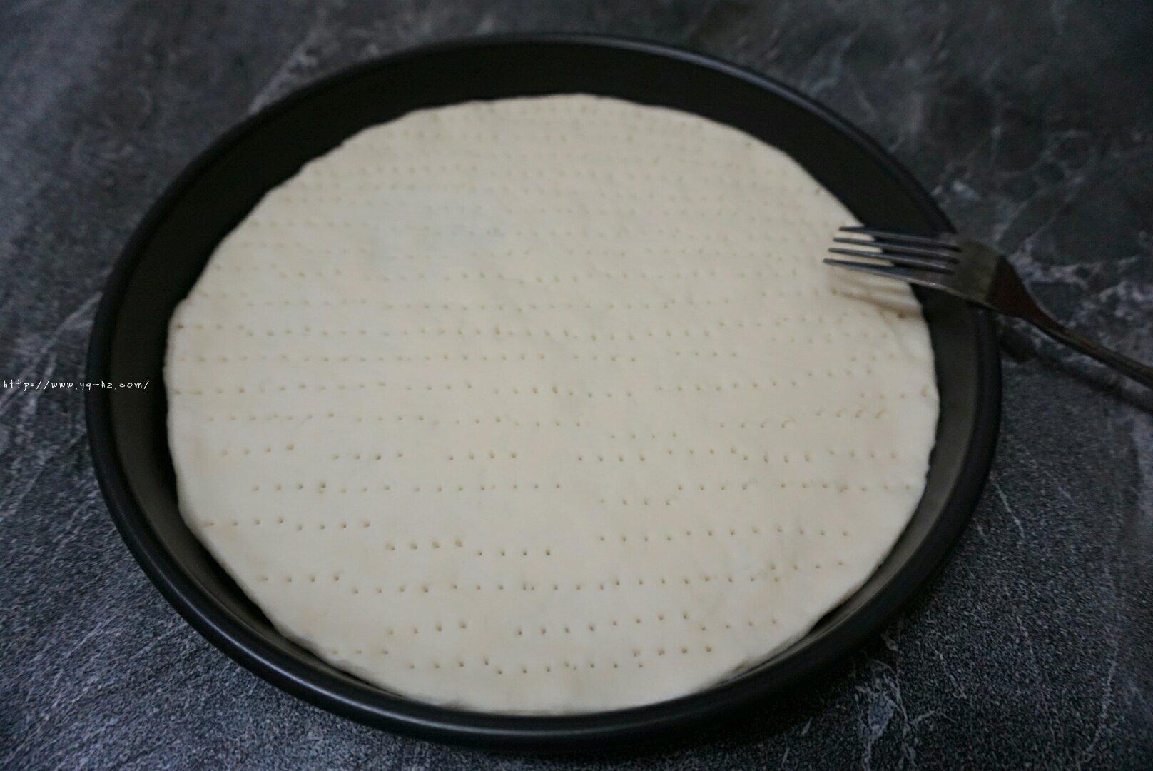 意式披萨的做法 步骤10