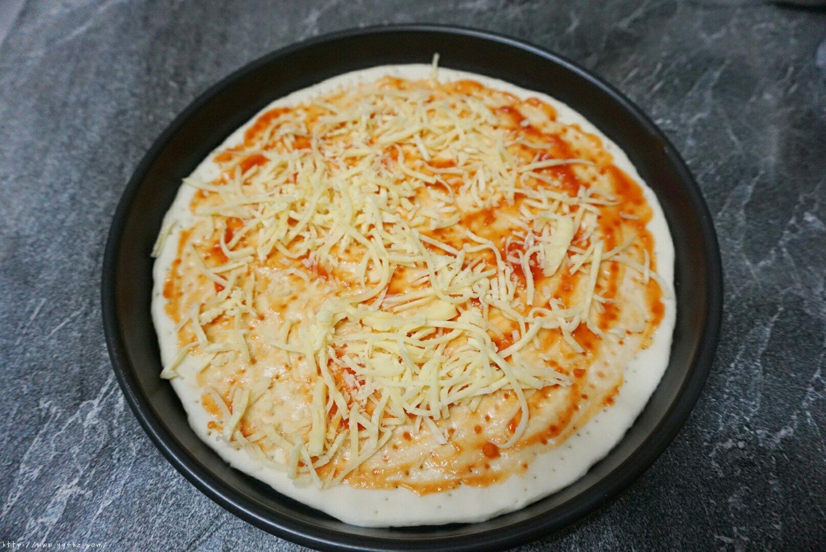意式披萨的做法 步骤11