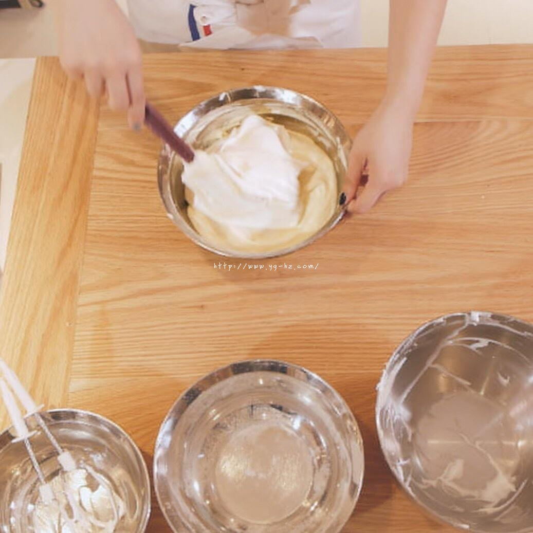 """烘焙""""鬼才""""和泉光一の上原卷/新手适用的超润口感大师级蛋糕卷的做法 步骤6"""