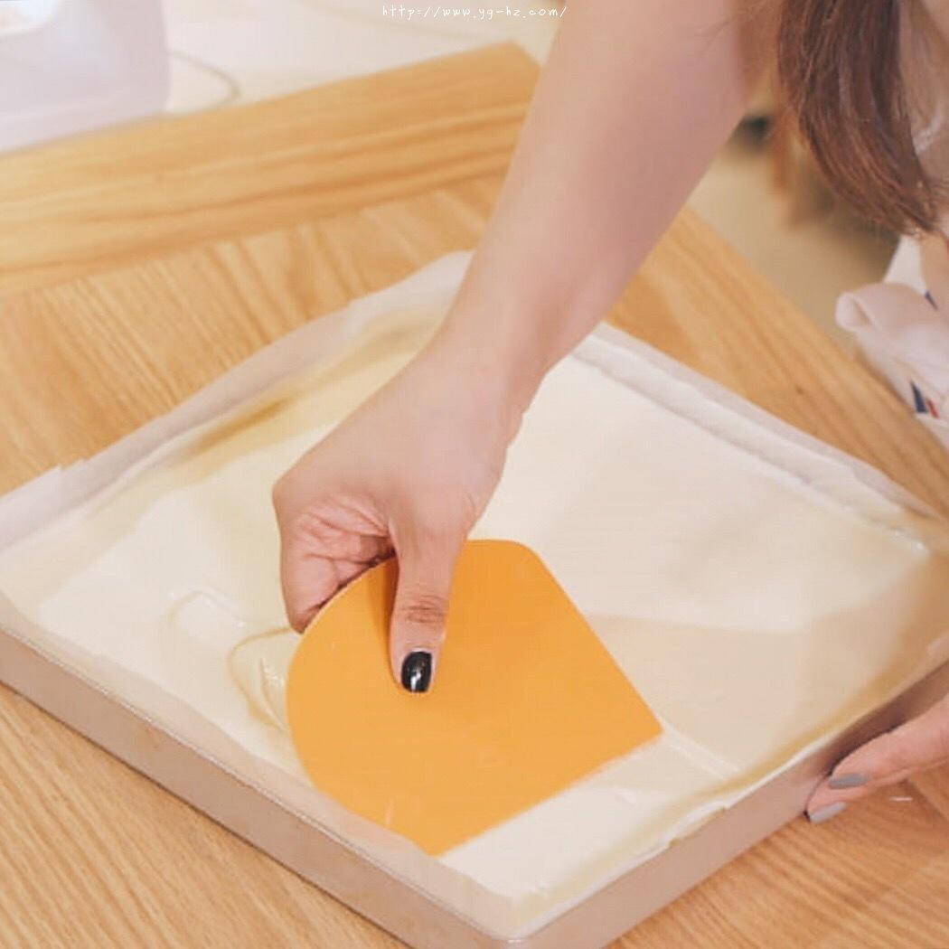 """烘焙""""鬼才""""和泉光一の上原卷/新手适用的超润口感大师级蛋糕卷的做法 步骤8"""
