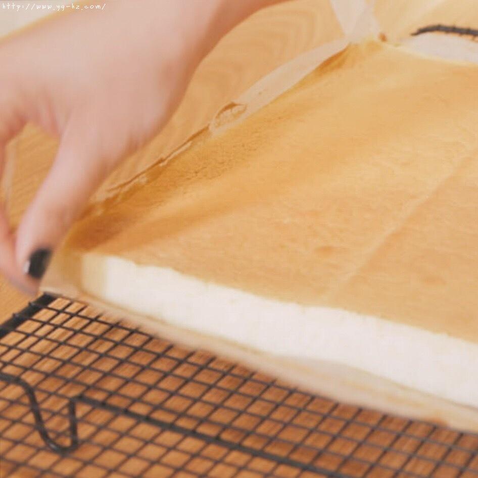 """烘焙""""鬼才""""和泉光一の上原卷/新手适用的超润口感大师级蛋糕卷的做法 步骤10"""