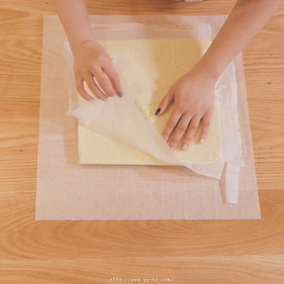 """烘焙""""鬼才""""和泉光一の上原卷/新手适用的超润口感大师级蛋糕卷的做法 步骤12"""