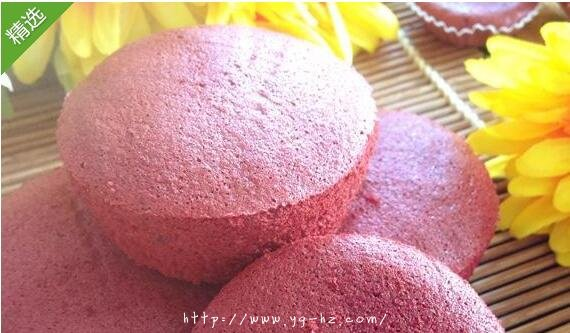 红丝绒纸杯蛋糕做法
