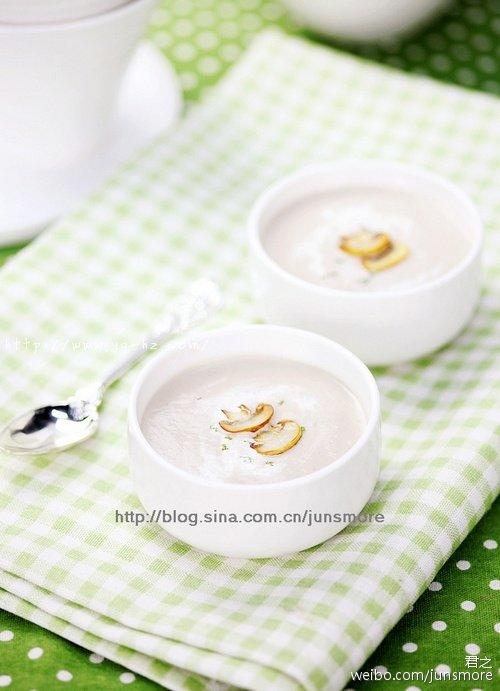 我们最爱的奶油蘑菇浓汤~