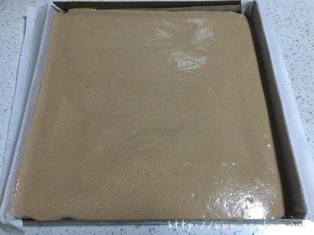 萌熊可可蛋糕卷的做法 步骤9