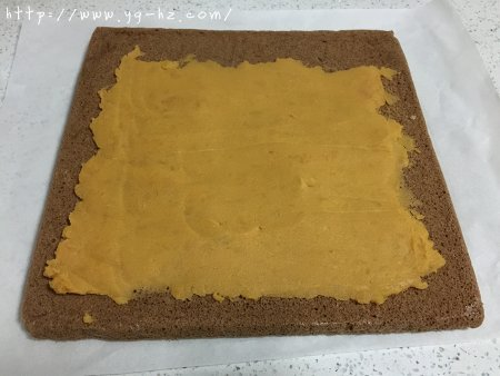 萌熊可可蛋糕卷的做法 步骤13