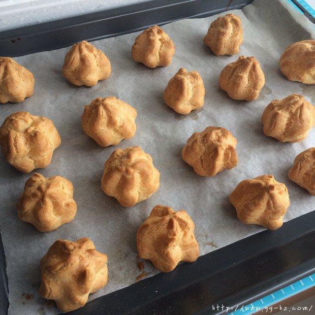 卡仕达奶油泡芙的做法 步骤9