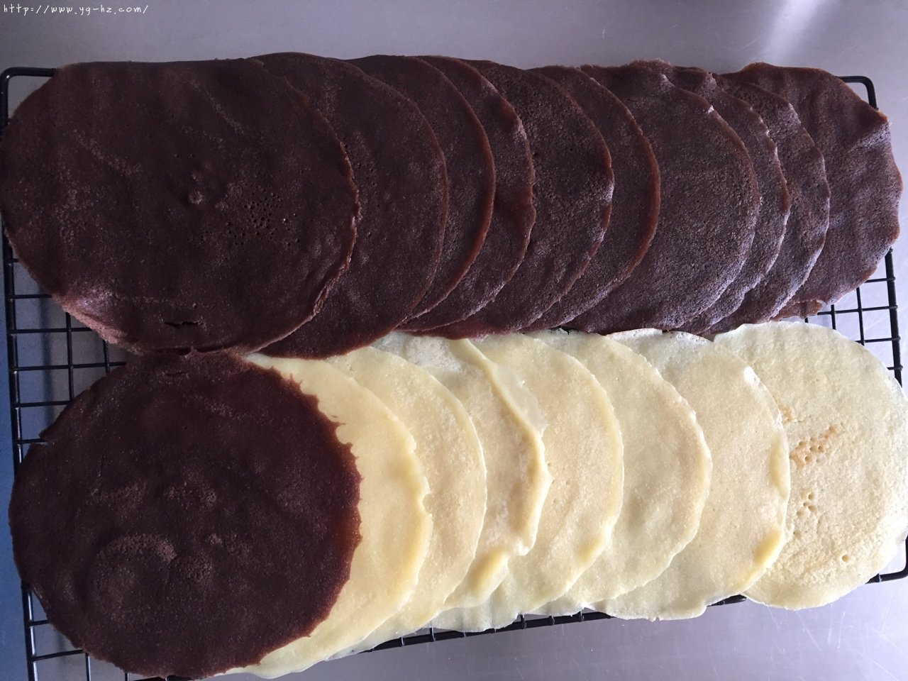 奥利奥双色千层蛋糕的做法 步骤13