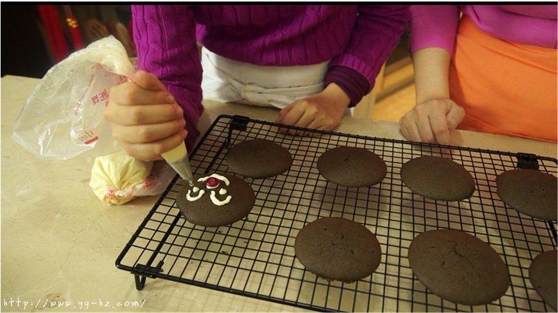 巧克力无比派 Whoopies的做法 步骤7