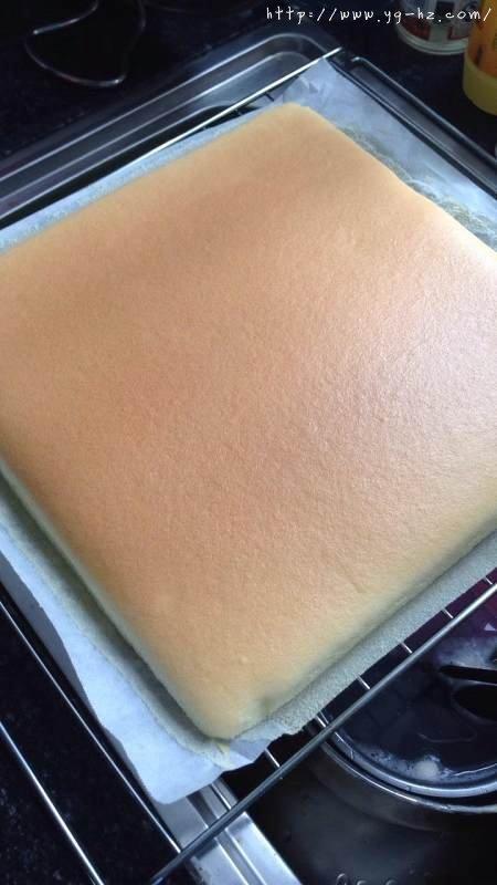 原味蛋糕卷的做法 步骤14