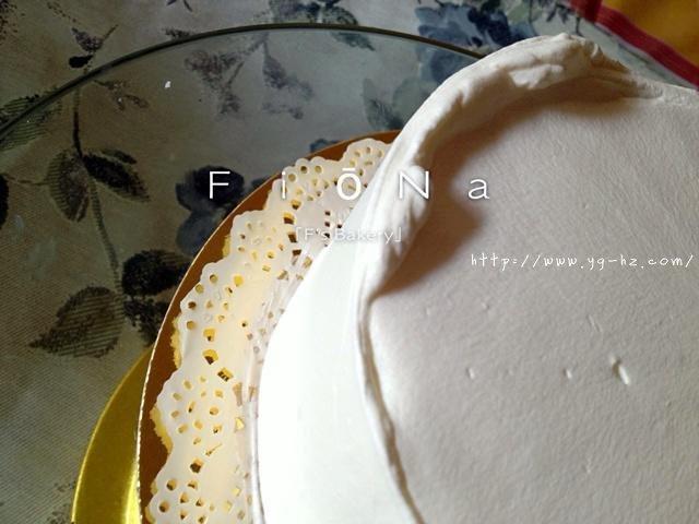 详细的裱花教程--彩虹蛋糕的做法 步骤13