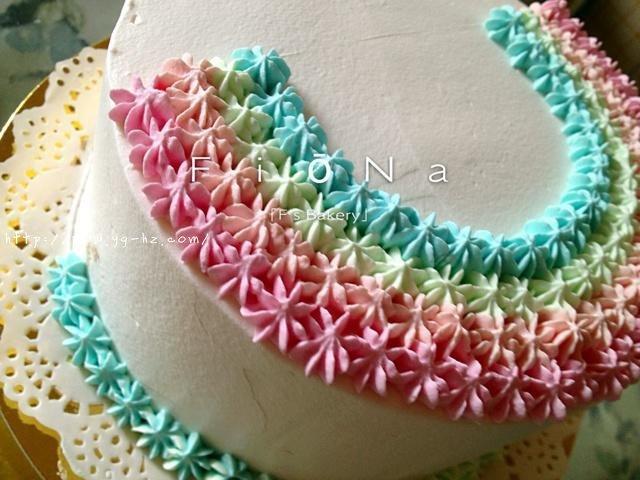 详细的裱花教程--彩虹蛋糕的做法 步骤22