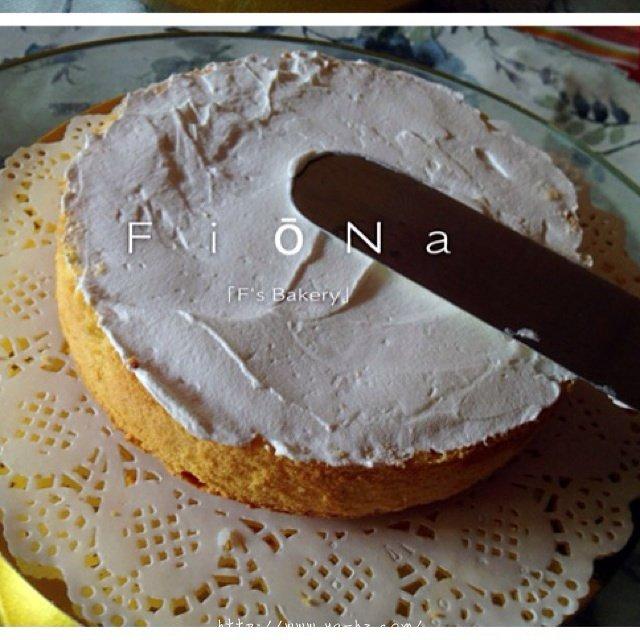 详细的裱花教程--彩虹蛋糕的做法 步骤6