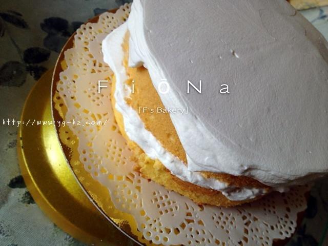 详细的裱花教程--彩虹蛋糕的做法 步骤10