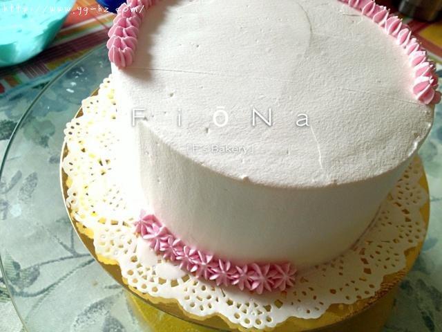详细的裱花教程--彩虹蛋糕的做法 步骤19
