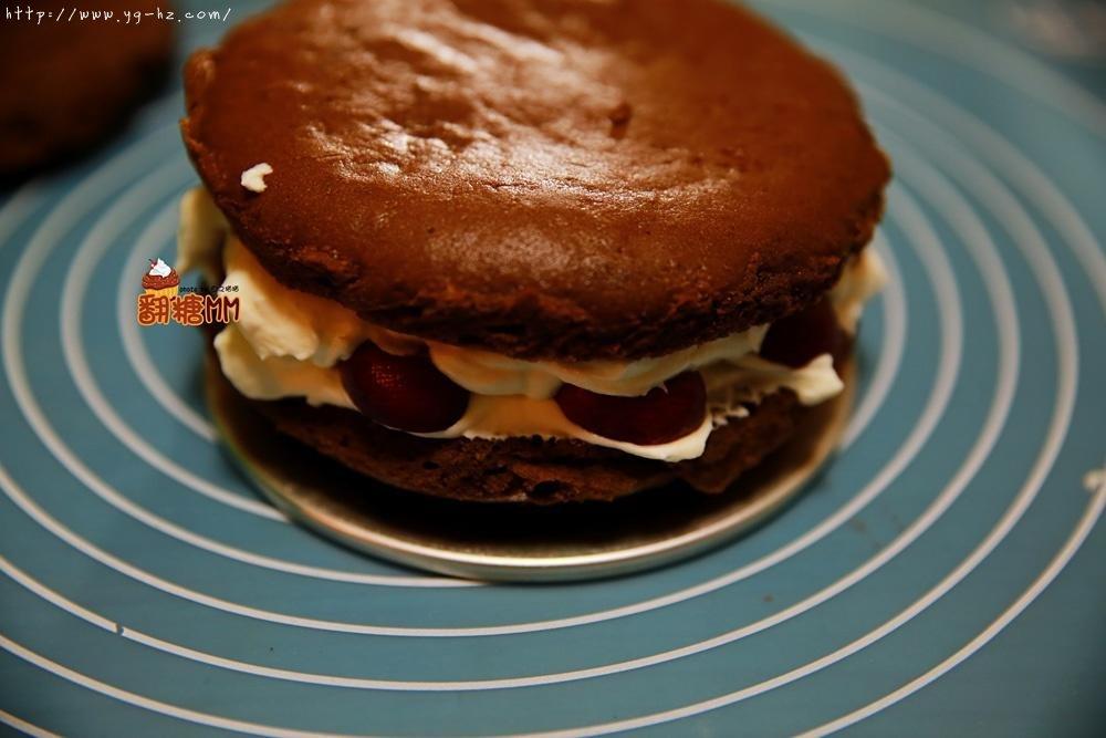 黑森林裸蛋糕的做法 步骤18