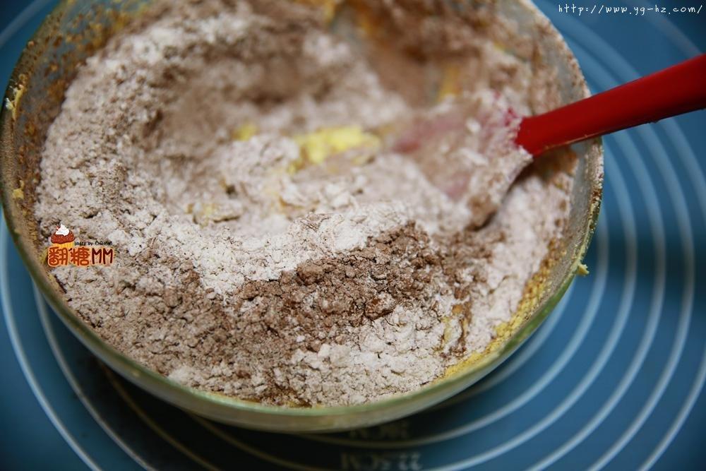 黑森林裸蛋糕的做法 步骤5