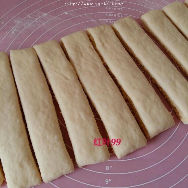 椰蓉奶棒面包的做法 步骤9