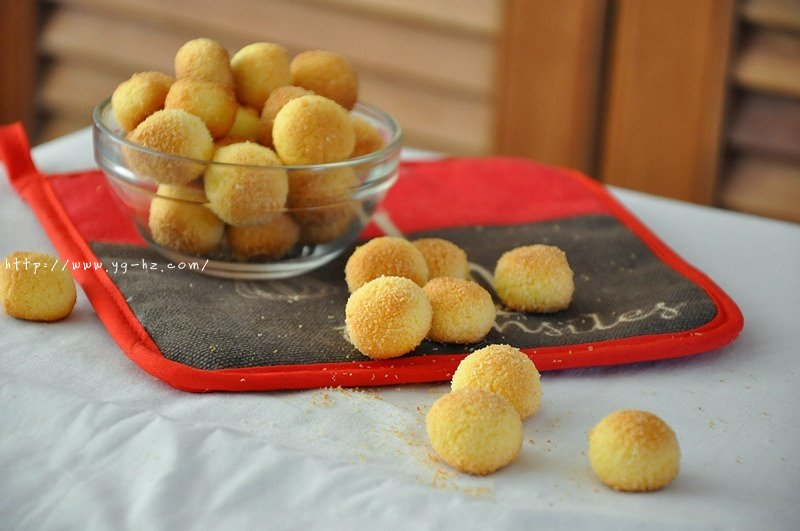 椰蓉小酥球(消耗蛋黄)的做法 步骤5