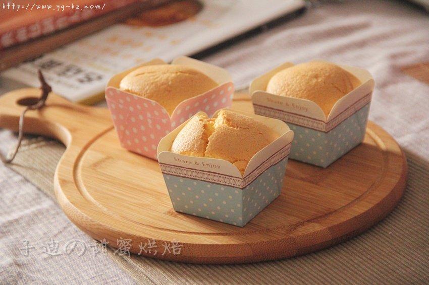 蛋香十足の海绵杯子蛋糕,伴手礼好选择。的做法